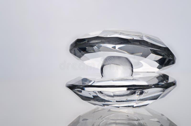 Krystaliczna ostryga z krystaliczną perłą obrazy royalty free