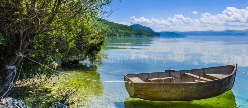 Krystaliczny jezioro zdjęcia royalty free