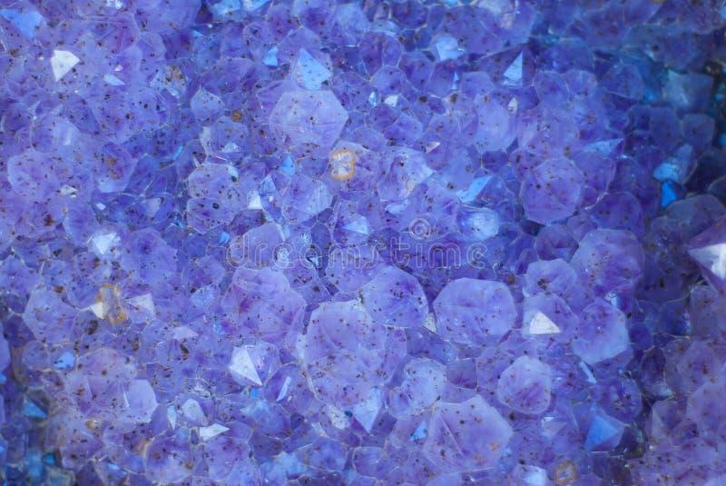 kryształów geody purpury fotografia stock