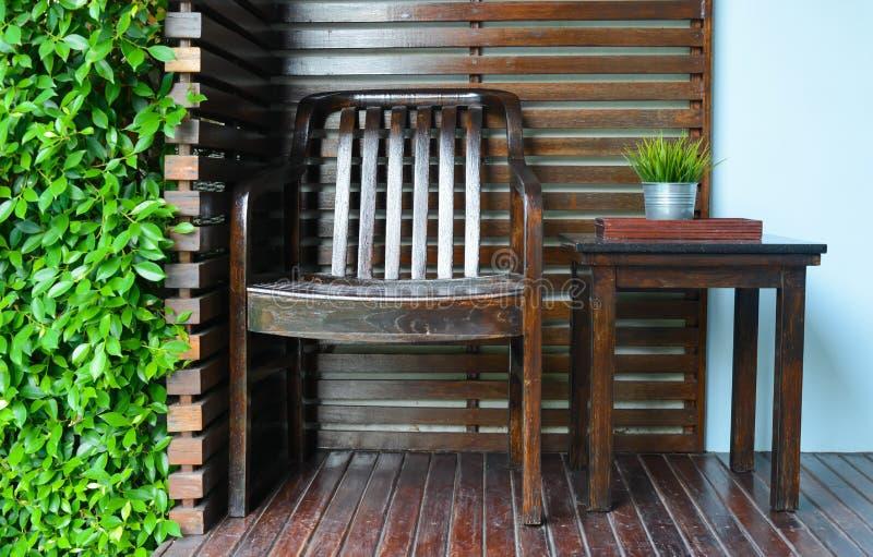 Krzesła i stołu dekoracja zdjęcie stock