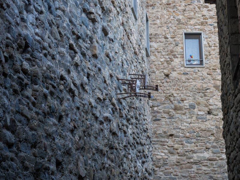 Krzesła na ścianie fotografia royalty free