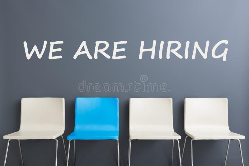 Krzesła tła pojęcie - rekrutacyjny dzierżawienie zatrudnia wywiad zdjęcia royalty free