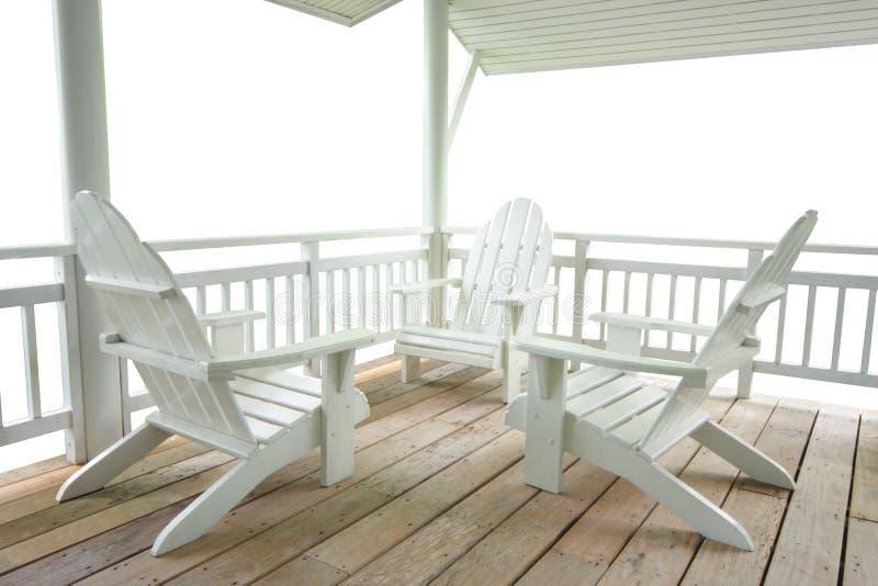 krzesła tarasują biel zdjęcia stock