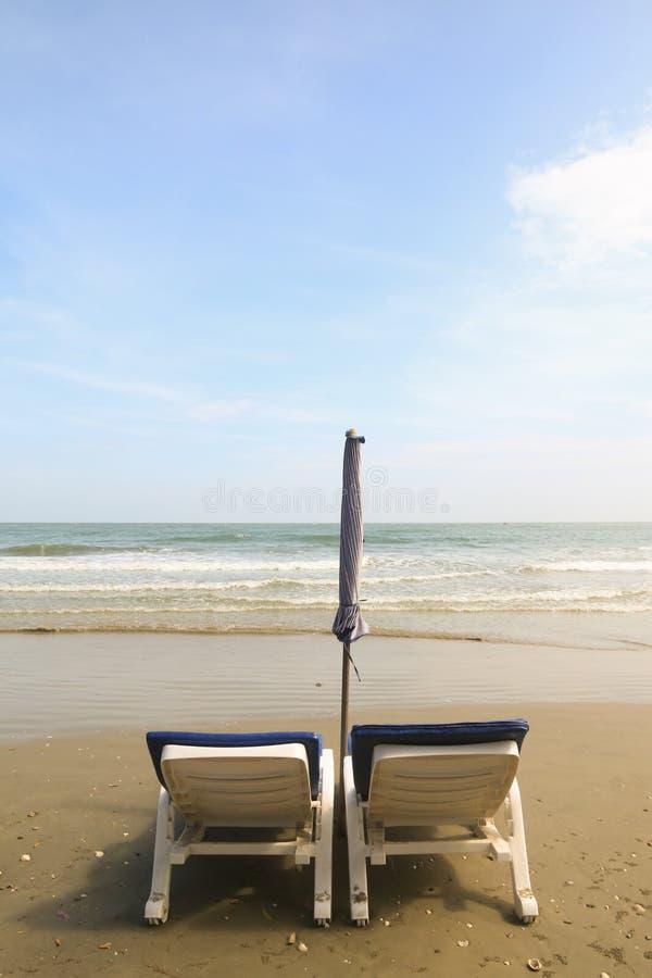 krzesło dwa na plaży obrazy royalty free