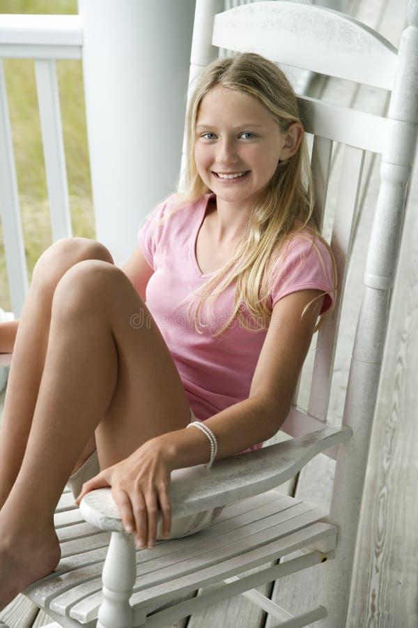 krzesło dziewczyny posiedzenia obrazy royalty free