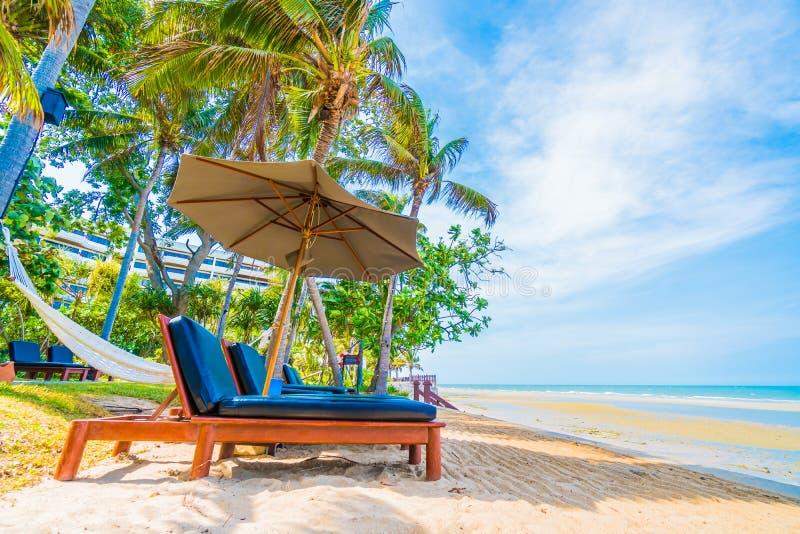 krzesło parasolkę obrazy royalty free