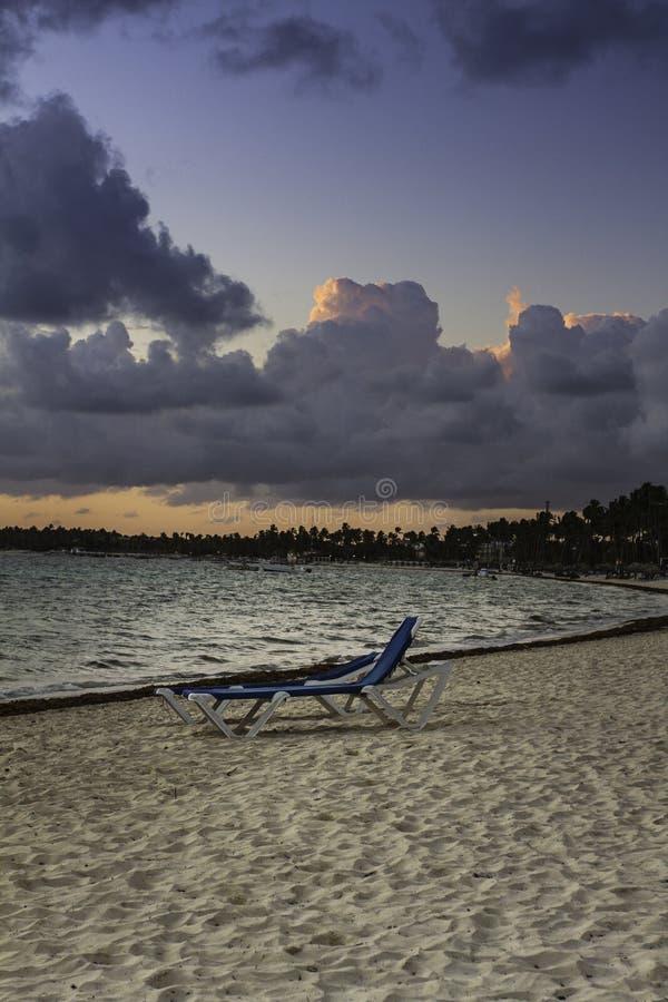 Krzesło przy plażą obraz royalty free