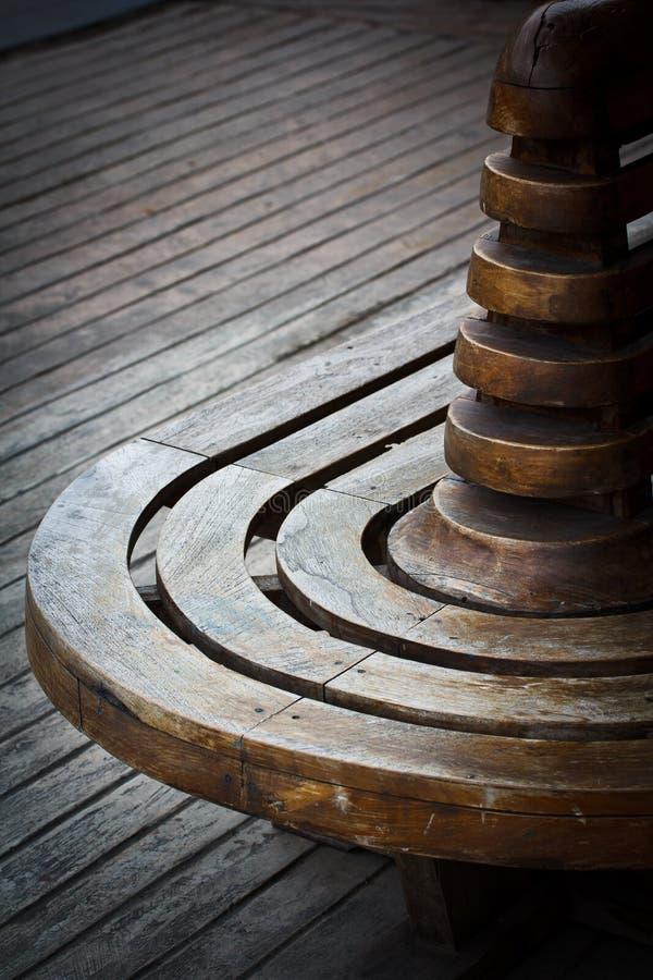 Download Krzesło drewniany zdjęcie stock. Obraz złożonej z trawy - 41952138