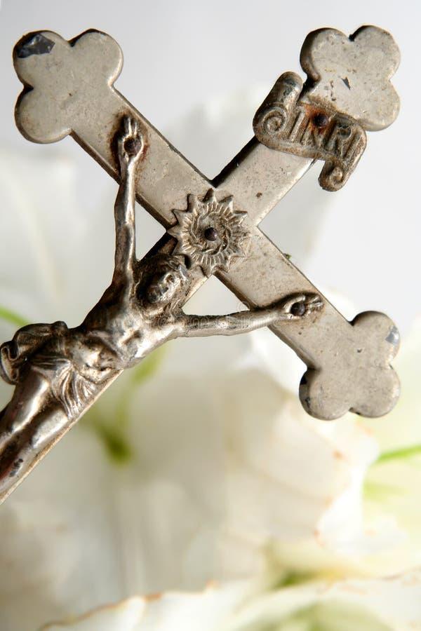 Krzyż i Easter leluje zdjęcie royalty free