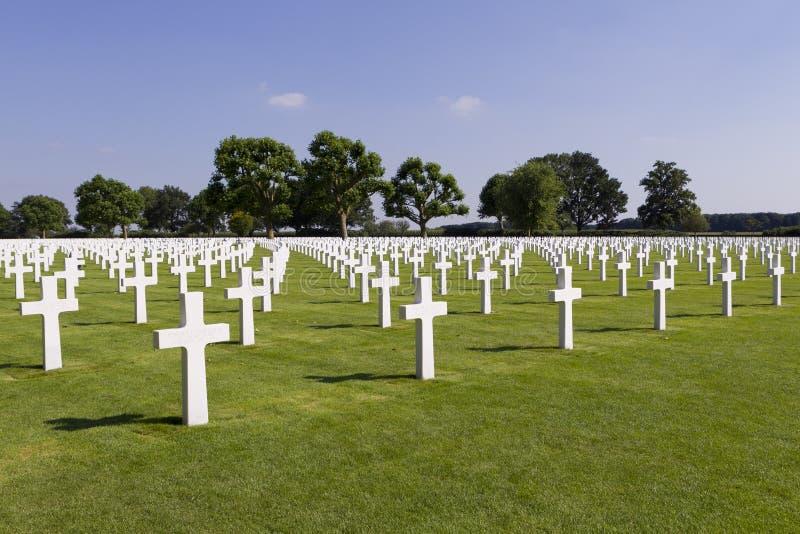 Krzyże na grób przy Margraten Wojny Cmentarzem obraz stock