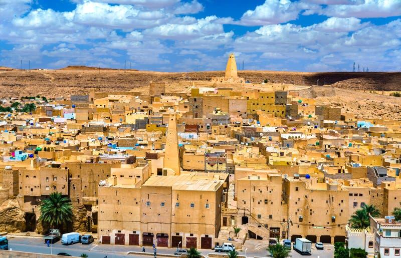Ksar Bounoura, en gammal stad i den M-`-Zab dalen i Algeriet royaltyfri fotografi