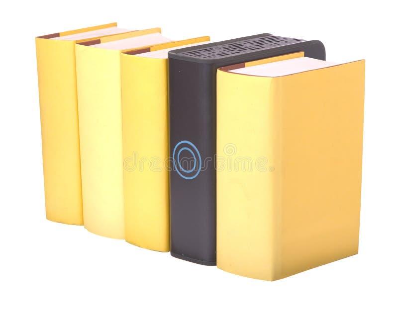 książek komputerowy ciężki hardback rzędu kolor żółty zdjęcia stock