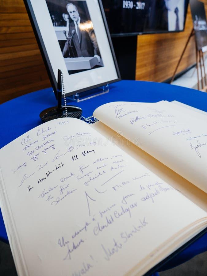 Książka condoleances dla Helmut Kohl przy parlamentem europejskim fotografia stock