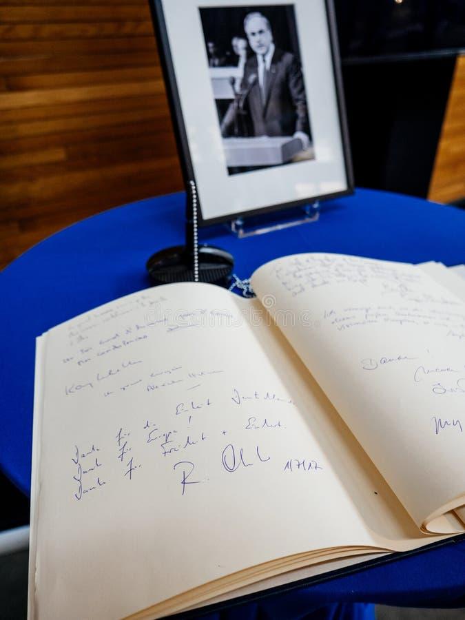 Książka condoleances dla Helmut Kohl przy parlamentem europejskim obraz stock