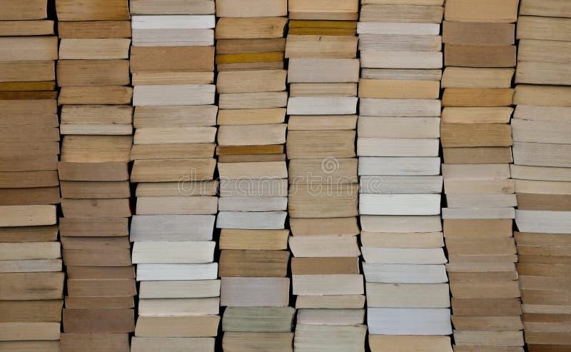 Książka w miękkiej okładce książek tło obraz stock
