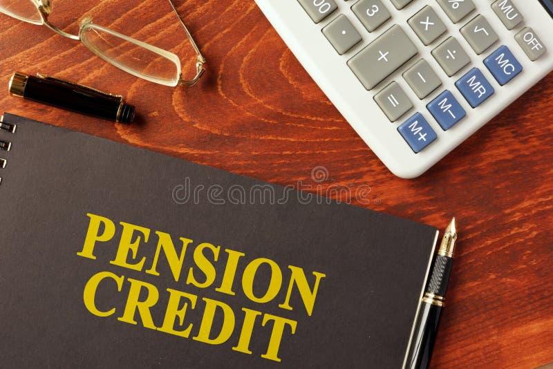 Książka z tytułowym emerytura kredytem zdjęcie royalty free