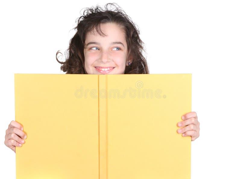 książkowa dziewczyna jej mały target1601_0_ nad szkołą zdjęcie royalty free