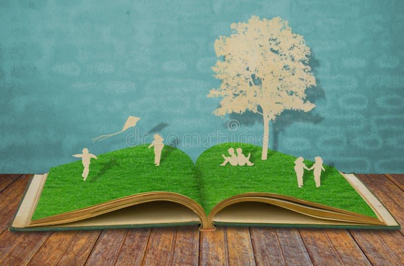 książkowi dzieci cią starą papierową sztuka obrazy stock