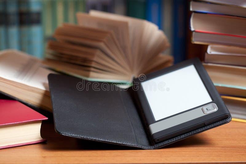 książkowy e zdjęcia stock