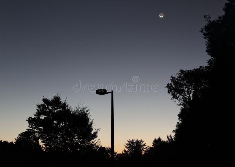 Księżyc, świt i pokój, zdjęcie royalty free