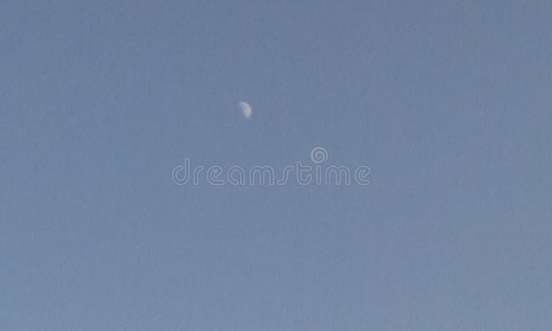 Księżyc podczas dnia zdjęcia royalty free
