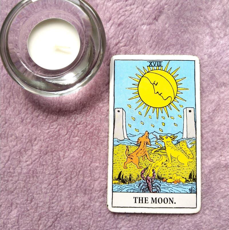Księżyc Tarot karta Marzy, koszmary, złudzenie, chować rzeczy zdjęcia stock