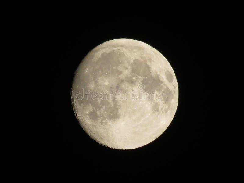 Księżyc w chmurnej nocy… fotografia royalty free