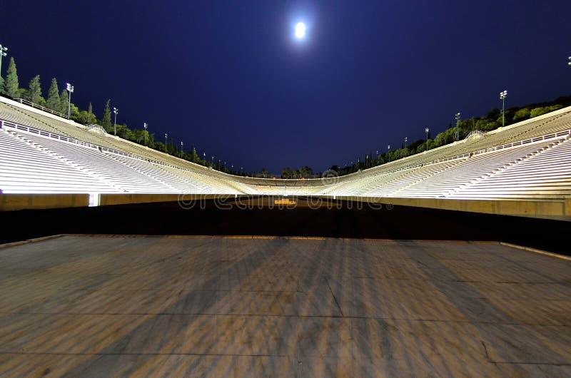 Księżyc w pełni calimarmaron Sierpniowy stadium zdjęcie royalty free