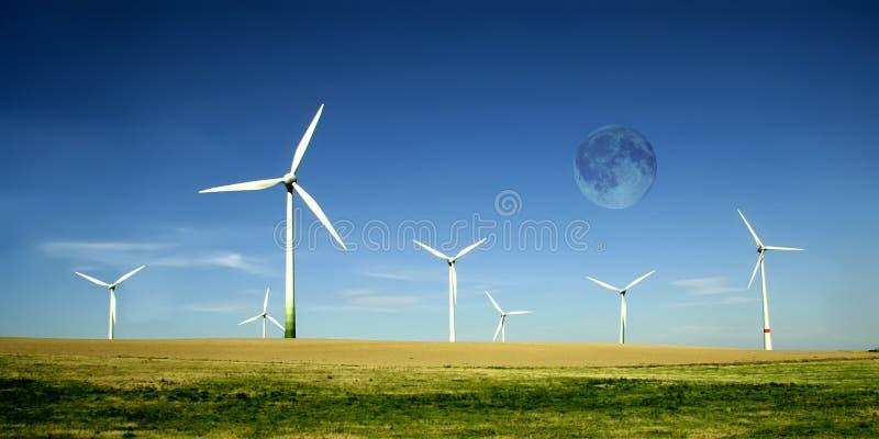 księżyc wysoki farm, turbiny wiatr fotografia stock