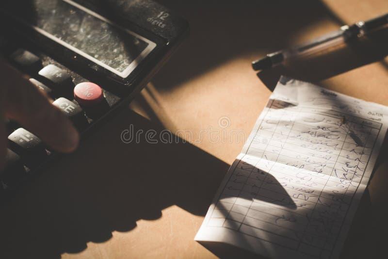 Księgowy i rachunki - biznes zdjęcia stock