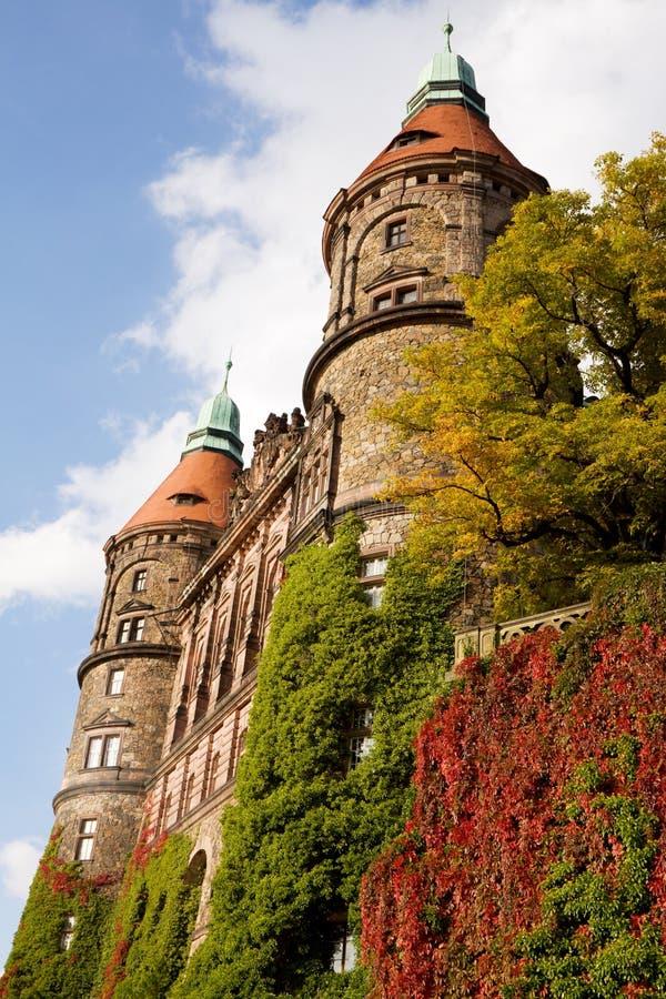 Ksiaz城堡西部门面与两个塔的在Walbrzych 免版税库存照片