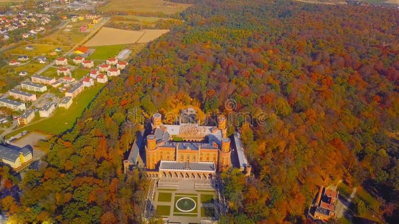 KSIAZ, POLEN - 2019: Satellietbeeld van Kasteel Ksiaz dichtbij Walbrzych, één van de grootste gebouwen van zijn soort in dit deel royalty-vrije stock fotografie