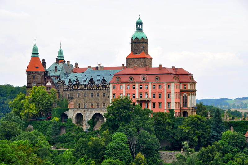 Ksiazkasteel dichtbij Walbrzych in Polen stock afbeelding