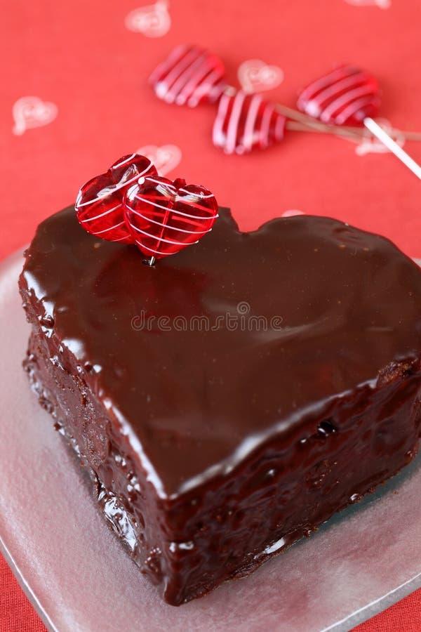 kształtujący tortowy czekoladowy serce obraz stock
