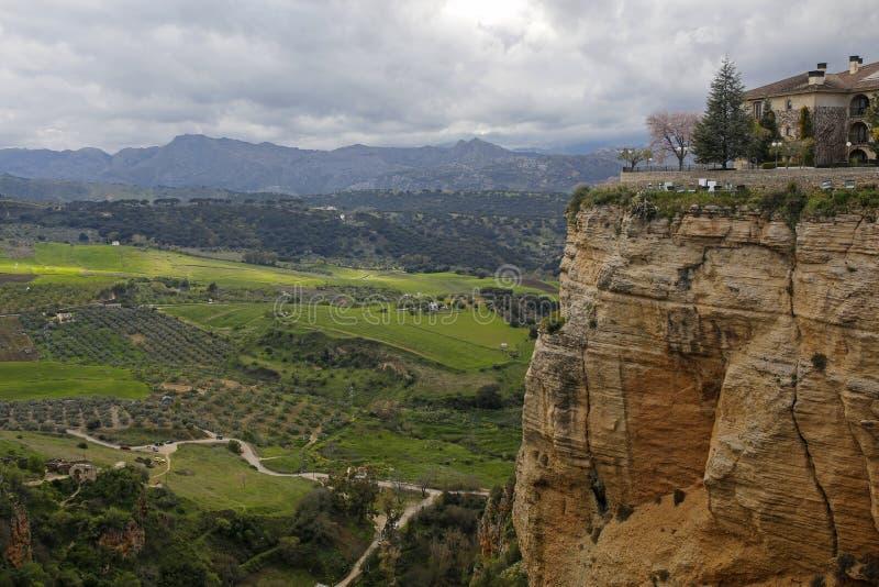 Kształtuje teren widzieć od Puente Nuevo, Ronda, Andalusia, Hiszpania zdjęcie stock
