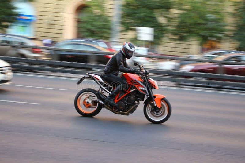 KTM-hertig Steetbike i Moskva arkivbilder