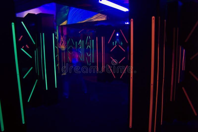 ktoś laserowa etykiety zdjęcie royalty free