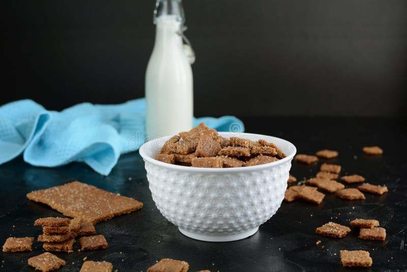 Kto Cinnamon Toast Crunch - com farinha de amêndoa e substituto de açúcar fotografia de stock