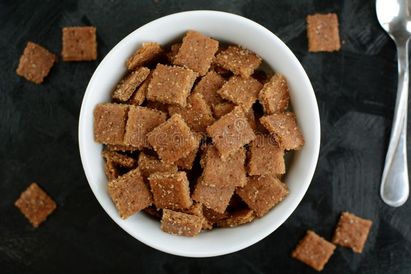 Kto Cinnamon Toast Crunch - com farinha de amêndoa e substituto de açúcar imagens de stock