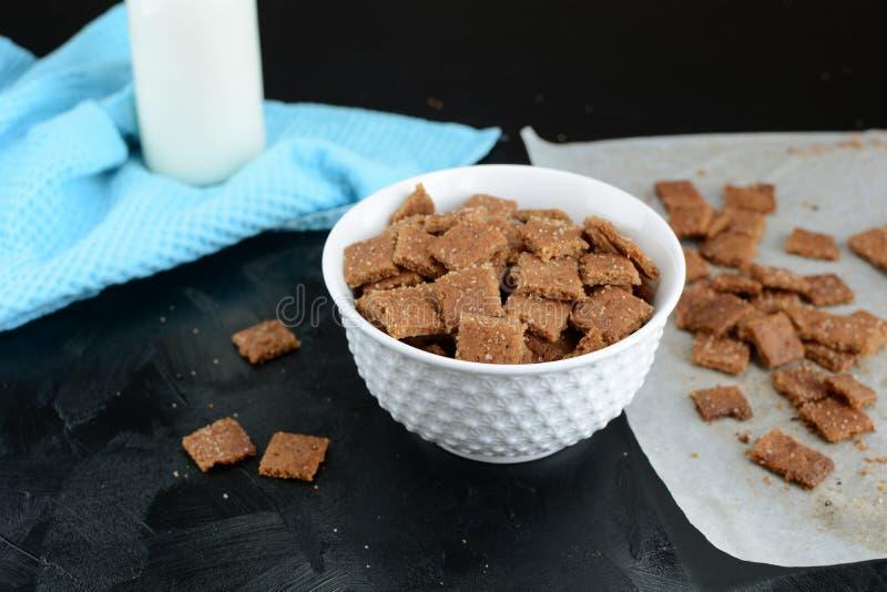 Kto Cinnamon Toast Crunch - com farinha de amêndoa e substituto de açúcar imagem de stock