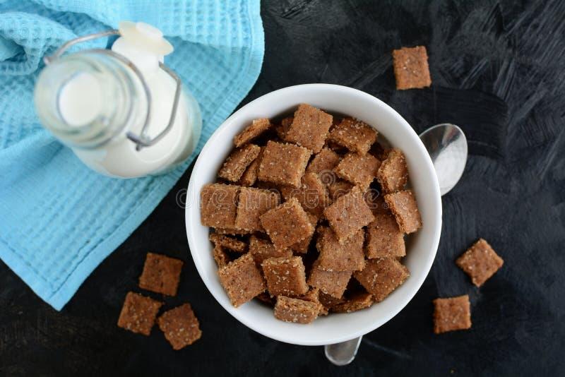 Kto Cinnamon Toast Crunch - com farinha de amêndoa e substituto de açúcar foto de stock