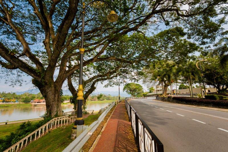 Kuala Kangsar cityscape i Malaysia royaltyfri fotografi