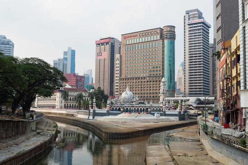 Download Kuala Lumpur redaktionelles stockfoto. Bild von architektur - 90228068