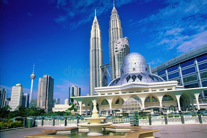 Download Kuala Lumpur City Skyline editorial stock photo. Image of lumpur - 25355793