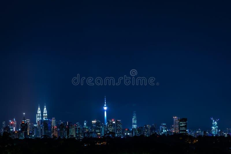 Kuala Lumpur Cityscape-mening bij nacht stock afbeelding