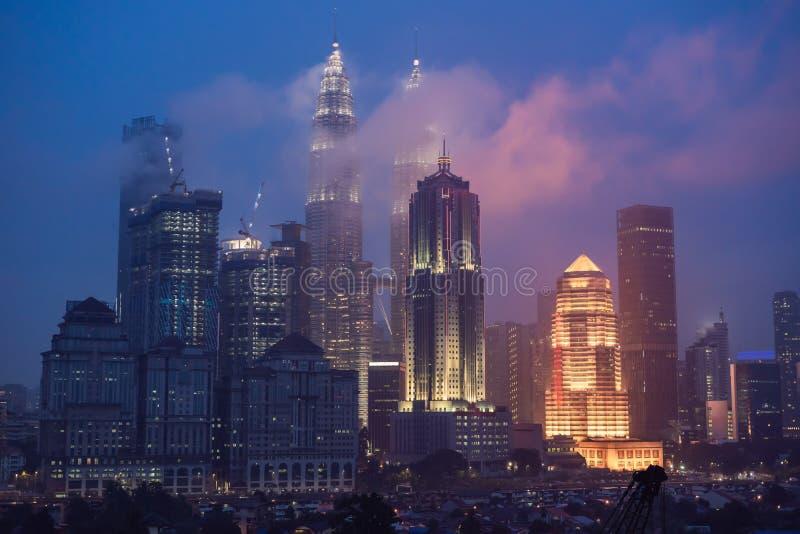 Kuala Lumpur linia horyzontu przy nocą, Malezja, Kuala Lumpur jest kapitałowa zdjęcia stock