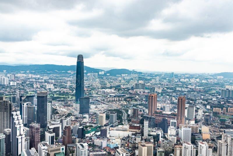 KUALA LUMPUR, MALAISIE, le 18 avril 2019 : Scape de ville de Kuala Lumpur avec les b photo stock