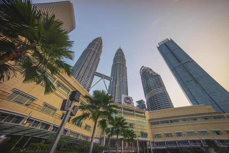 Kuala Lumpur, Malasia - 7 de julio de 2018: Salida del sol en Kuala Lumpur c foto de archivo libre de regalías