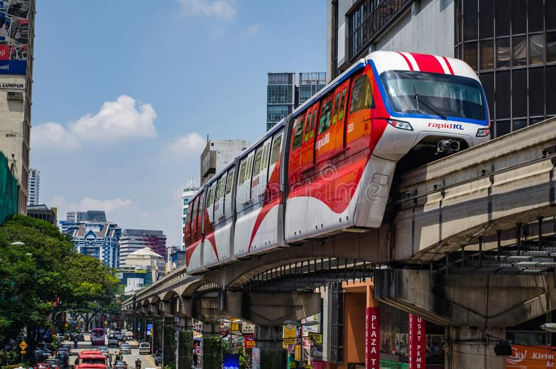KUALA LUMPUR, MALAYSIA - 9. April: Kiloliter-Einschienenbahn in Kuala Lumpur City Center am 9. April 2017 lizenzfreies stockbild