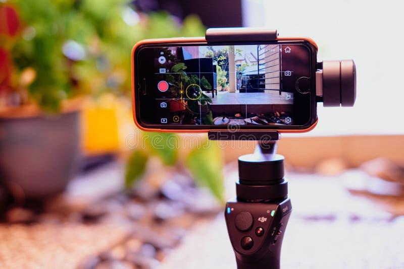 Kuala Lumpur, Malaysia - 31. August 2018: Mobile DJI Osmo in der Aktion, die Video gefangennimmt stockfoto